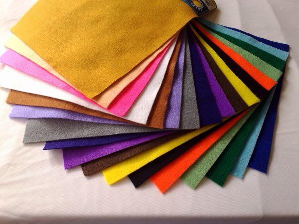 Филц 23см х 30см,разнообразие от цветове