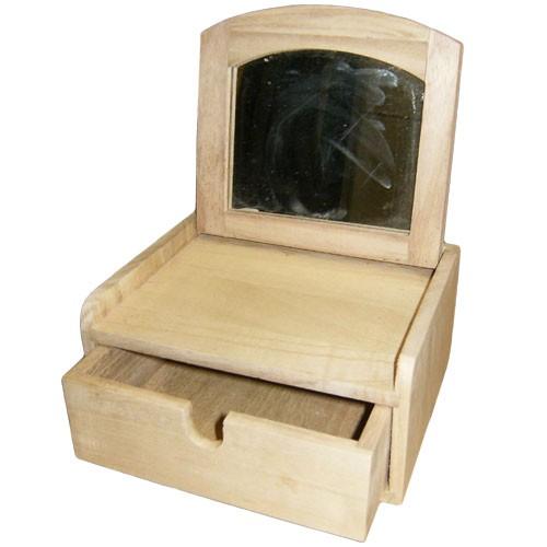 Бижутерна кутия с огледало